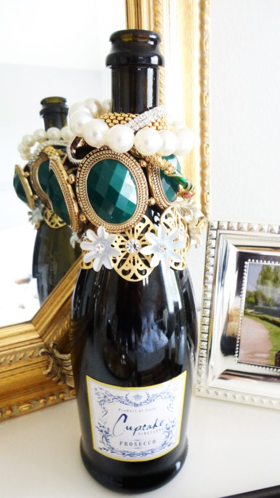 Wine-Bottle-Jewelry-Holder