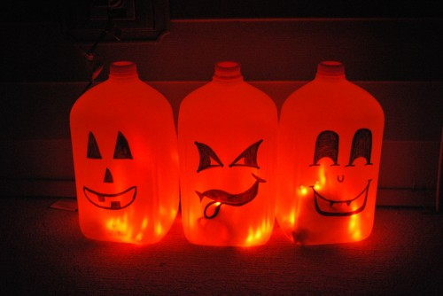 simplyrealmomscom - Milk Carton Halloween Ghosts